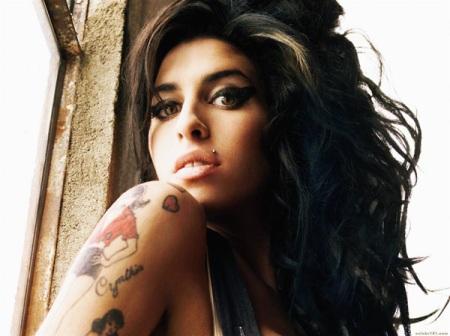 Amy-Winehouse. BIOGRAFIA.