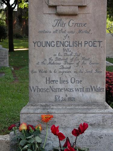 john-keats tomb